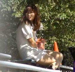 【JDのオナニー・潮噴き動画】ムラムラJDの雑木林オナニー-1:00