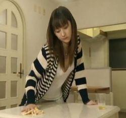 【お漏らし 動画】お漏らし角オナニーからエッチする美女妻-21:59