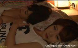 【お姉さんの潮ふき・オナニー動画】静かにオナってペニスをハメられる美人お姉さん、前編-25:33
